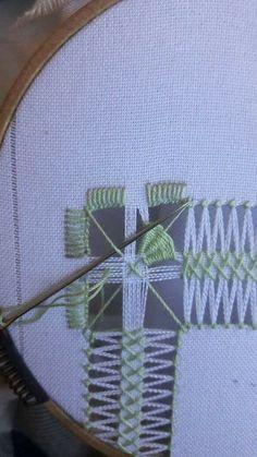 Bordados Tambour, Drawn Thread, Hardanger Embroidery, Bargello, Needlework, Diy And Crafts, Applique, Shabby Chic, Stitch