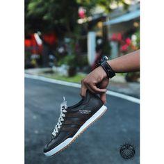 Adidas beckenbauer leather crack