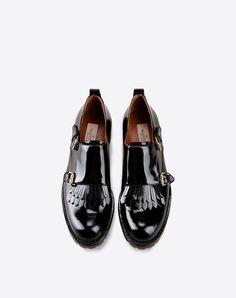 ccfaa2259178cf Boutique en ligne Valentino - Derbies à Boucle Double Femme Valentino  Bottines Derbies, Chaussures Derbies