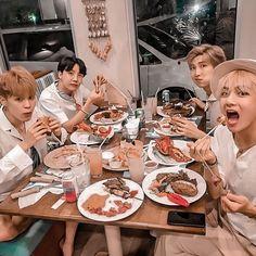 Bts Taehyung, Bts Bangtan Boy, Bts Jimin, Master Chef, Foto Bts, Bts Memes, K Pop, Hoseok, Seokjin