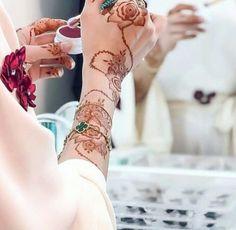 Henna Flower Designs, Modern Henna Designs, Arabic Henna Designs, Mehndi Designs 2018, Mehndi Designs For Girls, Bridal Mehndi Designs, Mehandi Designs, Mehendi, Henna Mehndi