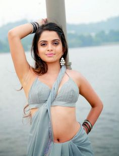 http://mirchispicyactress.blogspot.in/2014/05/sheena-shahabadi-hot-navel-photos-in.html