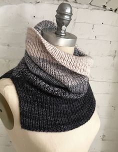 We have another new free pattern for you this week! FLYING SOLO is a chic and minimalist unisex ribbed cowl knit with three colours of Artfil Solo. Two strands are held together throughout the pro…