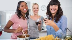 10 Ways to Have a Cheaper Evening Hanging Out With Friends -by Mikey Rox on 22 October 2013
