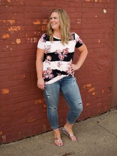Plus Size Casual, That Look, Floral Tops, Fashion Outfits, Popular, Tees, Clothes, Collection, Women