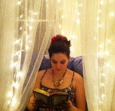 7 Tips for Raising Bookworms & A sneak peek at our Renaissance Girl's reading nook <3