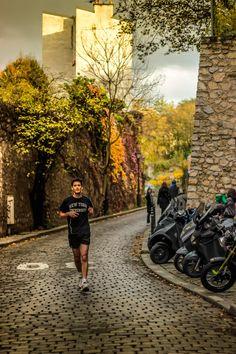 Plein de mises à jour sur mon blog photo, dont celle ci : A runner in Montmartre Photos prises par Olivier Raynaud
