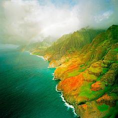 Na Pali Coast Rainbow, Kaui, Hawaii by Peter Tomsu