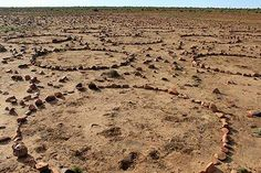 2015.  Giving a 5 day Land Art workshop on the farm Doornkuil in the Karoo, South Africa. Finding time to do some of my own work. artist: Strijdom van der Merwe