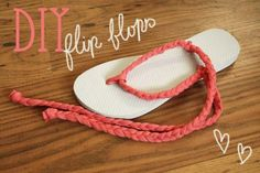 What you need for these DIY flip flops - 't-shirt yarn', store bought or homemade - scissors - flip flops DIY FAS. Flip Flops Diy, Cheap Flip Flops, Flip Flop Craft, Flip Flop Sandals, Diy Clothes Refashion, Diy Clothing, Shoe Makeover, Decorating Flip Flops, Comfortable Flip Flops