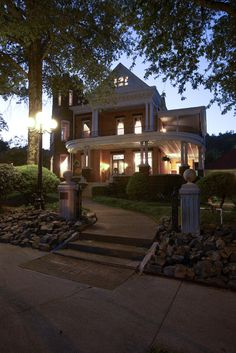 1890 Williams House Inn: Hot Springs, Arkansas. Wonderful B&B. We represented this inn and were pleased to sell it to great innkeepers.