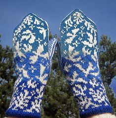 Ravelry: Peace Mittens pattern by Natalia Moreva Crochet Mittens Pattern, Crochet Rug Patterns, Knit Mittens, Knitted Gloves, Knitting Socks, Knitting Patterns, Knit Socks, Crochet Bookmarks, Ravelry