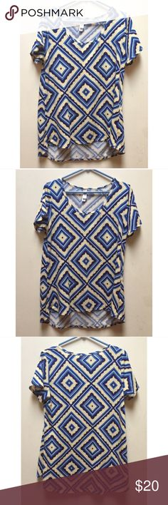 ☀️EUC LuLaRoe Diamond Print Classic Tee Shirt LuLaRoe Geometric Diamond Print Classic Tee Shirt in blue & yellow, in excellent used condition, size small LuLaRoe Tops Tees - Short Sleeve