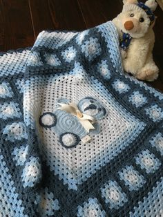 Handmade crochet afghan blanket, afghan with granny squares for newborn. Sweet gift for babyshower. Blanket with teddy bear.