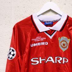 Classic Football Shirts, Vintage Football Shirts, Best Places To Work, Football Wallpaper, Football Kits, Uefa Champions League