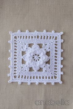 Transcendent Crochet a Solid Granny Square Ideas. Inconceivable Crochet a Solid Granny Square Ideas. Motifs Granny Square, Crochet Square Patterns, Crochet Motifs, Crochet Blocks, Crochet Squares, Thread Crochet, Crochet Designs, Crochet Crafts, Crochet Doilies