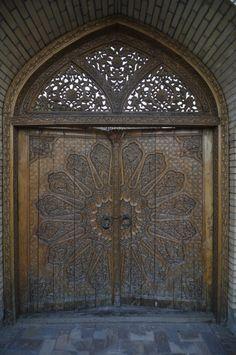 Samarkand door | ©Getting Nowhere ~ Mat and Ania