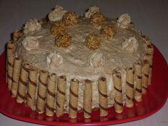 Íme az első restanciám. Nálunk ez az egyik favorit torta. Az eredetije Stahl Juditot dicséri, bár én azért változtattam rajta. Főleg a tész... Cake, Desserts, Food, Food Cakes, Tailgate Desserts, Deserts, Kuchen, Essen, Postres