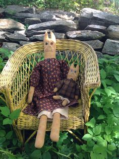 Primitive Doll Cat Set Catherine and Charlotte by ClancysAttic on Etsy https://www.etsy.com/listing/237845162/primitive-doll-cat-set-catherine-and