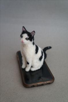 "This is ""Figaro"". Sofia's pal. #JanetsNeedleFelting #CatPortrait #petreplica #petportrait #petloss #CatArts #CatLady #CatGifts #Kitty #calicoCat #MyCat"