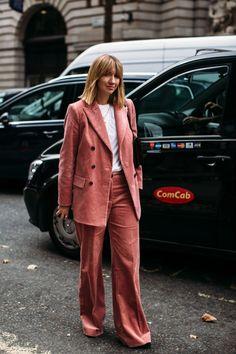 The Best Street Style Looks From London Fashion Week Spring 2019 Urban Street Style, Street Style Trends, Spring Street Style, Street Style Looks, Street Chic, Street Style Women, Trend Fashion, Vogue Fashion, Urban Fashion