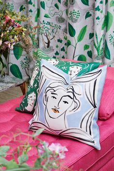 Colourful objects created by a colourful person. That is the way to describe the London-based artist Luke Edward Hall's entire essence and. Edward Hall, Magic Carpet, High Art, Bold Colors, House Colors, Interior And Exterior, Decorative Pillows, Screen Printing, Artsy