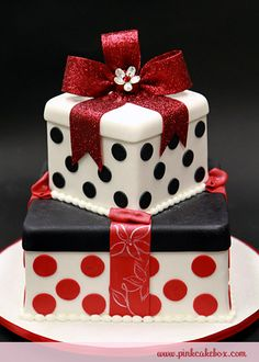 2 tiered cake looks like Christmas presents!