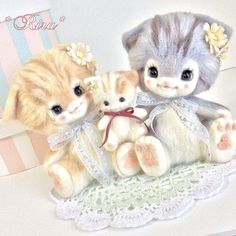 Needle felted kitty family by Rira from Japan