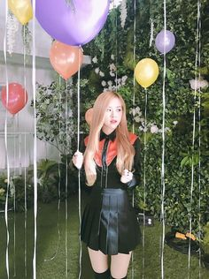 Happy birthday to the lovely Park Chae Young (Rosé). Main vocalist and lead dancer for BlackPink. Foto Rose, Oppa Gangnam Style, Rose Park, Black Pink Kpop, Blackpink Photos, Rose Photos, Park Chaeyoung, Blackpink Jisoo, Kim Jennie