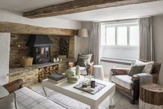 Interior Architecture and Interior Design Project | Cotswold Country House — Gunter & Co Cotswold Cottage Interior, Cotswold House, Country Cottage Interiors, Country House Interior, Cotswold Cottages, Cottage Exterior, Cottage Design, Cottage Lounge, Cottage Living Rooms