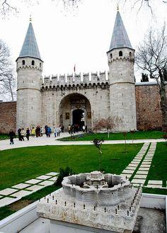 Gate of Salutation, Topkapi Palace.   http://en.wikipedia.org/wiki/Topkapi_Palace_Museum
