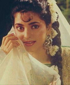 Juhi Chawla, Bollywood Posters, Bollywood Outfits, Most Beautiful Bollywood Actress, Madhuri Dixit, Indian Actresses, Indian Fashion, Movie Stars, Celebs