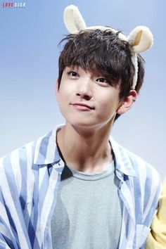JOSHUA YOU CUTE LIL THING YOU! YOU HAVE STOLEN THIS NOONA'S HEART ❤️