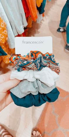 francesca's - Deborah - Scrunchies You Are My Moon, Accesorios Casual, Summer Outfits, Cute Outfits, Elegantes Outfit, Hair Ties, Girly Things, Ideias Fashion, Hair Accessories