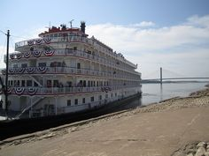 Passengers on the Queen of Mississippi wave hello to the Cape welcome crew!   #mississippi #capegirardeau #missouri #river #steamboat
