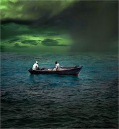 Унесенные в море #красное #море #ненастье #лодка #рыбаки Автор: Виктор Перякин