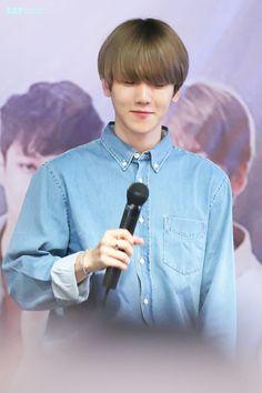 Baekhyun - 150717 Love Me Right Fansign in Beijing