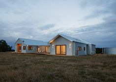 This shed-inspired house in Australia features a low-maintenance fire-resistant facade of corrugated steel that also helps to reflect heat Rural House, D House, Farm House, House Cladding, Facade House, Steel Sheds, Edwardian House, Shed Homes, Tiny Homes