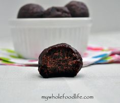 4 Ingredient Peppermint Truffles.  A no fuss recipe that can be made in minutes.  They taste like Thin Mint cookie dough!  Vegan, gluten free and paleo approved.