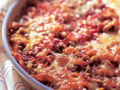 Punajuuri-perunalaatikko Beets, Cheeseburger Chowder, Cooking Tips, Chili, Oatmeal, Good Food, Food And Drink, Easy Meals, Soup