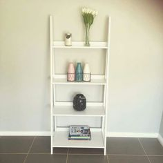 Ladder shelf: something different to add to the bedroom.
