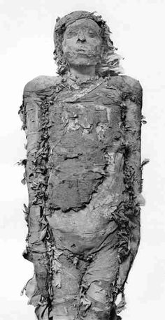 Mummy of Pinudjem II, High Priest of Amun in Thebes. Ancient Egyptian Art, Ancient Aliens, Ancient History, Egyptian Things, Egypt Mummy, Pyramids Egypt, Egyptian Mummies, Ancient Civilizations, Egyptians