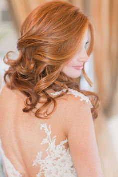 Coiffure De Mariage : Dreamy Coastside Fall Wedding in New Jersey from Amy Rizzuto Photography Loose Hairstyles, Trending Hairstyles, Short Hairstyles For Women, Bride Hairstyles, Headband Hairstyles, Elegant Wedding Hair, Short Wedding Hair, Wedding Beauty, Trendy Wedding