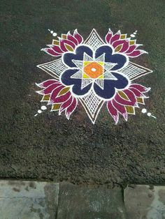 Lotus Simple Rangoli Designs Images, Rangoli Designs Flower, Small Rangoli Design, Rangoli Kolam Designs, Rangoli Ideas, Rangoli Designs With Dots, Kolam Rangoli, Flower Rangoli, Beautiful Rangoli Designs