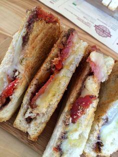 Rosso Fuoco: il Toast che ha incendiato Toasteria Italiana. #toastdelgiorno #graphicdesign #toasteriaitaliana #flyer #poster #juice #fitness #salamepiccante #franchising #italy