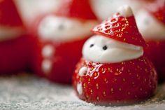Dairy-free santa strawberries. A healthy vegetarian christmas recipe and way too cute.