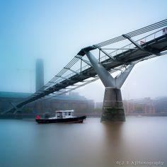 Tug, Millenium Bridge: Arup, Foster + Partners and Sir Anthony Caro. Tate Modern: Herzog De Meuron