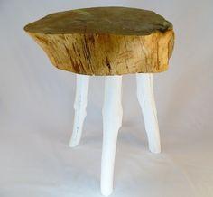 Tisch aus Kiefernholz // wooden table via DaWanda.com