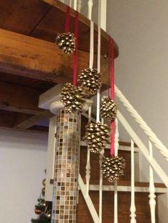 Decorazioni di Natale con pigne
