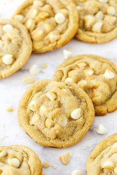 These White Chocolate Macadamia Nut Cookies have soft and chewy centers with lightly crisp edges! They use an extra egg yolk for chewiness and are loaded with white chocolate chips and macadamia nuts for the ultimate cookie! White Chocolate Macadamia Cookies, Macadamia Nut Cookies, White Chocolate Chips, White Chocolate Cookie Recipes, White Chocolate Cupcakes, Coconut Chocolate, Banana Cupcakes, Baking Recipes, Dessert Recipes